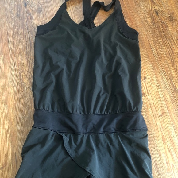 Lululemon racer back one piece swim suit size 6